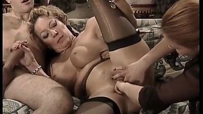 POSH MATURE ANAL FISTED AND FUCKED IN..